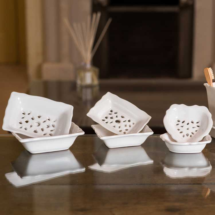 Branche d'Olive large, small and heart-shaped white Soap Dishes